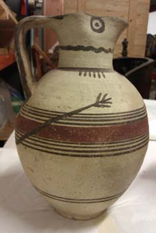 Bichrome jug with tail © Museums Sheffield