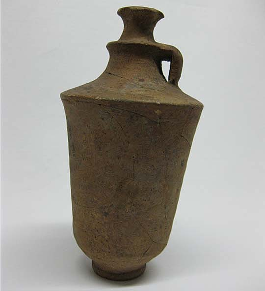 UNIV.1913.0033 Punic jug © University of Leeds