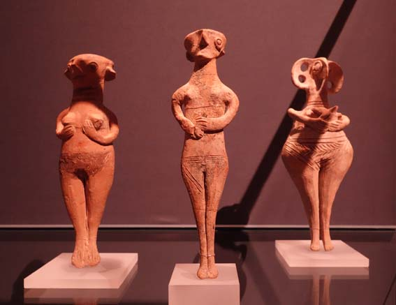 Base Ring figurines s