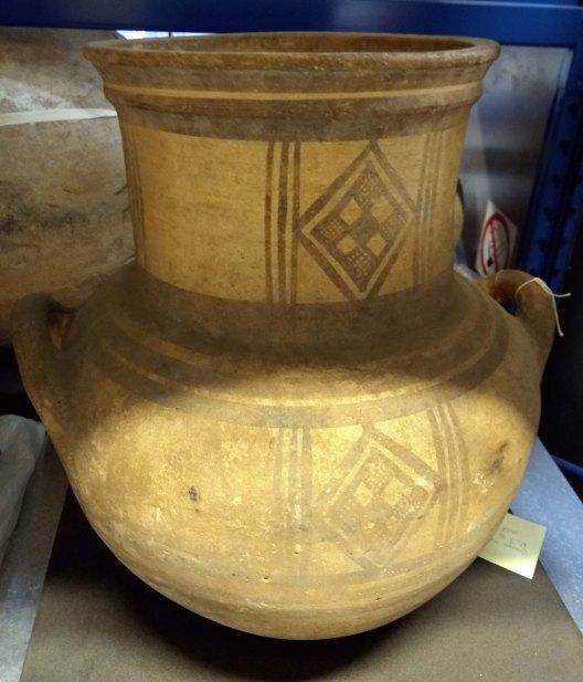 robertson amphora