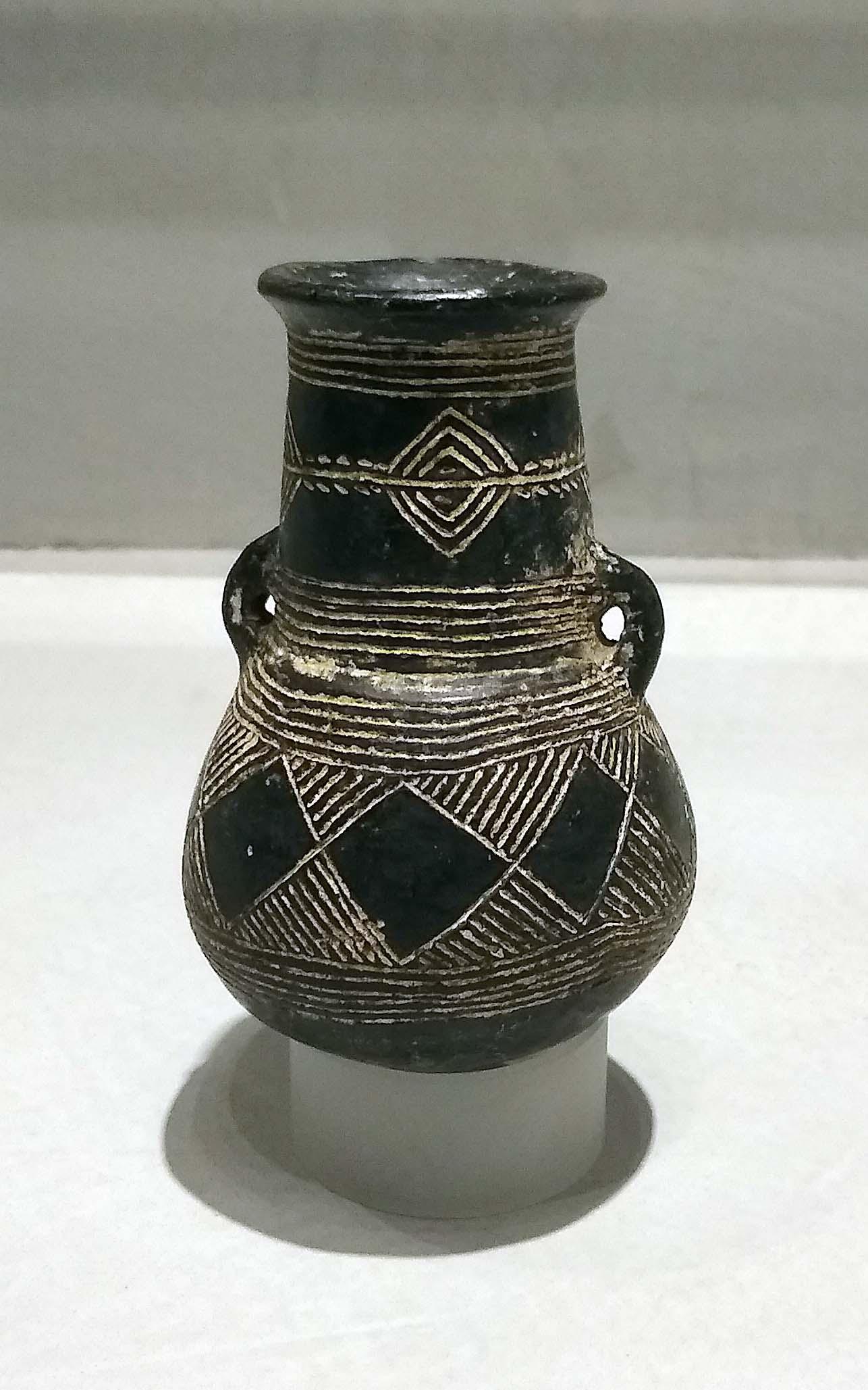 Black Polished jar